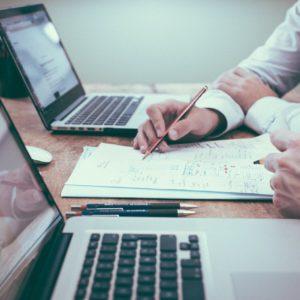Themenfelder der Digitalisierung – ein kurzer Überblick für Praktiker und Studenten