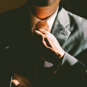 Wie hängt Selbstorganisation und Entscheidungsfreiheit von Mitarbeitern zusammen?