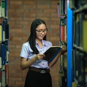 Bachelor- oder Masterarbeit: Was ist der Unterschied zwischen Grundlagen und Literaturanalyse?